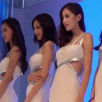 Showgirl 27-2014Chin
